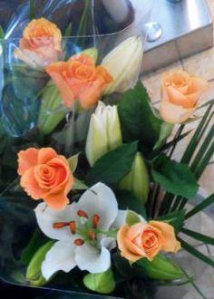 růže s liliemi (70 pieces) Jigsaw Puzzles, Plants, Lily, Puzzle Games, Plant, Puzzles, Planets