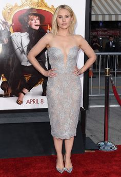 Medium Layered Cut Lookbook: Kristen Bell wearing Medium Layered Cut (20 of 30). Kristen Bell attended the Los Angeles premiere of 'The Boss' sporting this edgy-chic layered cut.