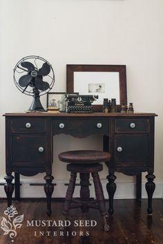 "<p style=""text-align: center;""><a href=""http://missmustardseed.com/2013/10/typewriter-vanitydesk-reveal/""><strong>Antique Desk</strong></a>"