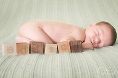 newborn photography. baby boy. picture ideas