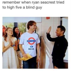 """""""Remember when ryan seacrest tried to high five a blind guy"""" Make You Smile, Are You Happy, Ryan Seacrest, Funny Memes, Hilarious, 1 Gif, Band Memes, High Five, Having A Bad Day"""
