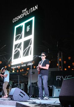 On July 11, surfer-turned-guitarist, Makua Rothman, jammed out to island melodies during Boulevard Pool's Set Your Life to Music series at The Cosmopolitan of Las Vegas (Photo credit: Tony Tran).