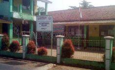 Dana BOS Mandek, Kepsek Nekat Pakai Tabungan Siswa   Heibogor.com 100% Bogor
