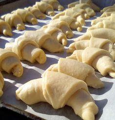 ΜΑΓΕΙΡΙΚΗ ΚΑΙ ΣΥΝΤΑΓΕΣ 2: Τυροπιτάκια !!! Pie, Cheese, Breakfast, Desserts, Food, Pies, Torte, Morning Coffee, Tailgate Desserts