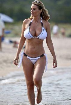 Sexy Bikini, Bikini Girls, Bikini Swimsuit, Foto Top, Rhian Sugden, Actrices Sexy, Bikini Poses, Mädchen In Bikinis, Sexy Hot Girls