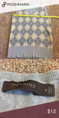 Limited argile sweater vest! Small! Gray/beige! Limited argile sweater vest! Small! Gray/beige! The Limited Sweaters