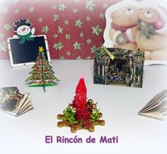 Centro navideño rojo, escala 1/12 miniatura para casas de muñecas. de MatiMiniaturesCorner en Etsy