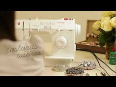 Maquina de Costura Singer Facilita 18 Pontos 2868C564/9876 - YouTube Singer Facilita, Patch Quilt, Diy And Crafts, Patches, Sewing, Youtube, How To Make, Sewing Tips, Sewing Box