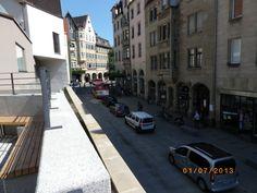 Von der Pfleghof Strasse direkt neben dem Alnatura rüber auf die Plattform oberhalb der Mühlstrasse