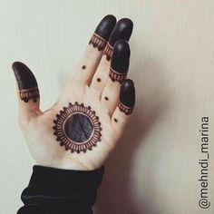 Nice n simple Mehndi design Henna Hand Designs, Mehndi Designs Finger, Palm Mehndi Design, Mehndi Designs For Beginners, Modern Mehndi Designs, Mehndi Designs For Fingers, Mehndi Design Pictures, Beautiful Henna Designs, Henna Tattoo Designs