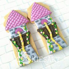 Tangled Rapunzel Cookies Art by Shirlyn Cookies For Kids, Fancy Cookies, Iced Cookies, Royal Icing Cookies, Cake Cookies, Cupcake Cakes, Sugar Cookies, Cupcakes, Rapunzel Disney