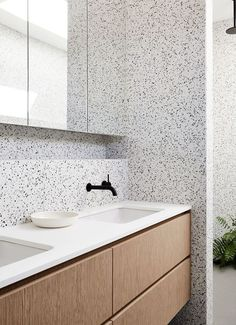 Where can I find terrazzo tiles and sinks in the UK? A guide and photos to beautiful terrazzo bathrooms. White Vanity Bathroom, Simple Bathroom, Modern Bathroom, Bathroom Colors, Bathroom Sets, Bathroom Faucets, Sink Taps, Bathroom Mirrors, Bad Inspiration