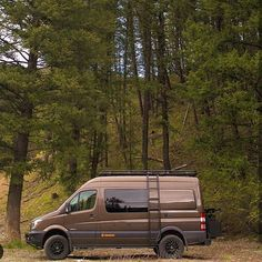 @syncvans out advanturing in the Sawtooth National Forest in their Sprinter outfitted with Aluminess gear . #aluminess #bumpers #ladder #roofrack #nerfbars #adventurevan #adventuremobile #sprintervan #sprintercampervan #sprintervan #mercedes #vanconversion #campervan