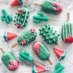 Watermelon and Cactus ~ Kawaii Cake Pops and Candles by Raymond Tan. - Watermelon and Cactus ~ Kawaii Cake Pops and Candles by Raymond Tan. Cute Food, Good Food, Yummy Food, Healthy Food, Mini Desserts, Delicious Desserts, Magnum Paleta, Kreative Desserts, Cute Baking
