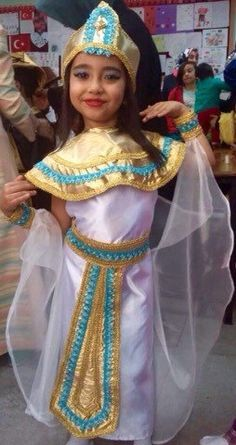 Pirate Halloween Costumes, Couple Halloween Costumes For Adults, Costumes For Teens, Couple Costumes, Adult Costumes, Girl Group Costumes, Toddler Costumes, Woman Costumes, Cleopatra Costume Kids