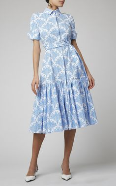 Get inspired and discover Carolina Herrera trunkshow! Shop the latest Carolina Herrera collection at Moda Operandi. Modest Dresses Casual, Day Dresses, Dress Outfits, Short Dresses, Summer Dresses, Dresses For Work, Modest Clothing, Club Outfits, Midi Dresses