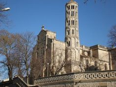 Cathédrale de Uze Guide du tourisme Languedoc-Roussillon