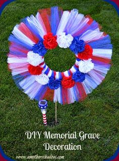 This DIY Patriotic Memorial Decoration is a wonderful way to show your love of c.This DIY Patriotic Memorial Decoration is a wonderful way to show your love of country and honor to family and friends. This simple, easy to make wreath can withs Cemetary Decorations, Memorial Day Decorations, Memorial Day Wreaths, Memorial Flowers, Memorial Ideas, Outdoor Decorations, Holiday Decorations, Grave Flowers, Cemetery Flowers