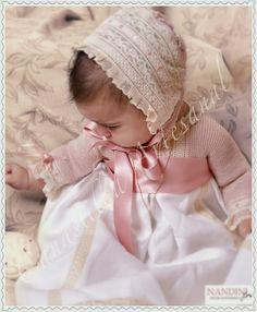 CANASTILLA ARTESANAL: El bautizo de Nora Baby Blessing Dress, Baby Dress, Crochet Baby Hats, Baby Knitting, Kind Photo, Baptism Outfit, Baby Bonnets, Royal Babies, Precious Children