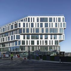 Strato Office Block / Hardel et Le Bihan Architectes