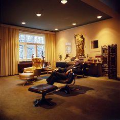 Kekkosen sisustus: mieluummin Marimekkoa kuin tyylikalusteita | Meillä kotona Marimekko, Conference Room, Table, Furniture, Home Decor, Decoration Home, Room Decor, Meeting Rooms, Tables