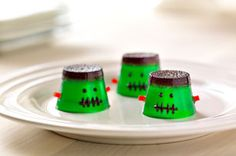 Crafty - MMMMonster JIGGLERS Recipe.  Need: 1-⅔ cups  boiling water, divided; 1 pkg.  (3 oz.) JELL-O Lime Flavor Gelatin; 1/4 cup  (1/2 of 3-oz. pkg.) JELL-O Grape Flavor Gelatin; 32 pieces   red string licorice (½ inch); 1 tube  black decorating gel