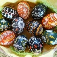Velykos. Velykos - Lithuanian Easter Eggs Egg Decorating, Happy Easter, Spring Time, Easter Eggs, Folk Art, Diy Projects, Crafts, Ancestry, Drop