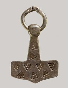 A modern-day forgery of a Thor's hammer pendant. (image © British Museum).