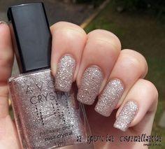 Esmalte Rosa Crystal, da Avon. Por: A Garota Esmaltada (http://agarotaesmaltada.tumblr.com)