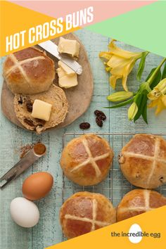Have you made your Hot Cross Buns yet for Easter yet? Dont forget to cross this classic Easter dessert of your list for brunch. Easter Dinner, Easter Brunch, Easter Recipes, Holiday Recipes, Recipes Dinner, Breakfast Recipes, Incredible Eggs, Hot Cross Buns, Bread Baking