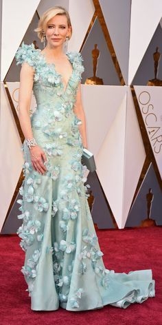 Academy Awards 2016: Cate Blanchett in Armani with Tiffany & Co. jewelry and a Roger Vivier clutch.