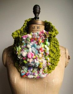 ED-222 Happiknits cowl using Handspun yarn