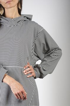 striped hoodie oversized, knee lengh FB and insta : #arcstudio #arcstudiobyclaudianemes Out Of The Closet, Hoodies, Tops, Women, Fashion, Moda, Sweatshirts, Fashion Styles, Parka