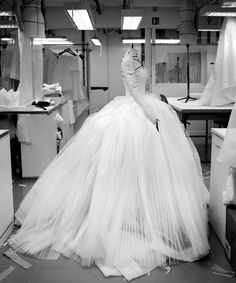 Creation of a dress for Christian Dior's spring/summer 2012 haute couture collection | Photo by Gérard Uféras
