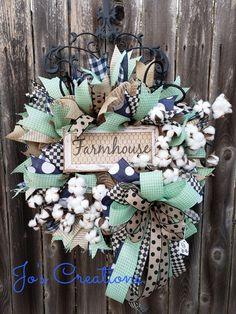 Spring Wreaths For Front Door Diy, Summer Wreath, Holiday Wreaths, Wreath Crafts, Wreath Ideas, Diy Wreath, Wondrous Wreath, Wreath Making, Diy Halloween Decorations