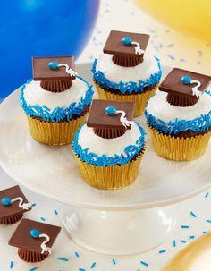 Graduation Party Desserts, Graduation Cupcakes, Graduation Party Decor, Graduation Ideas, Graduation Presents, Grad Gifts, College Graduation, Cupcake Recipes, Cupcake Cakes
