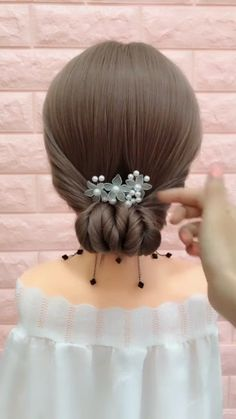 How to Braid? 20 Braid Hairstyles Tutorials in 2019 In 2019 Braid hairstyle has always been a symbol of beauty. And no matter, short or long hair, hair with braids will always give originality Prom Hairstyles For Short Hair, Pigtail Hairstyles, Girls Short Haircuts, Braided Hairstyles Tutorials, Braids For Short Hair, Trending Hairstyles, Short Hair Cuts, Easy Hairstyles, Girl Hairstyles