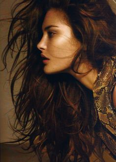 Catherine McNeil is an Australian fashion model. At fourteen years old, she won a model search contest hosted by Girlfriend. Catherine Mcneil, Foto Top, Face Profile, Female Side Profile, Side Profile Woman, Women Profile, Hair Remedies, Shiny Hair, Woman Face