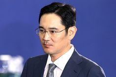 The Samsung Group chief Jay Y. Lee is under arrest on the allegations of bribery, perjury & embezzlement amid the recent corruption scandal. Samsung, Smartphone News, Photography Tips, Ted, Gain, Trust, Group, Crafts, Feltro