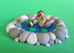 Little Duck Pond made with polymer clay and resin by *DragonsAndBeasties Polymer Clay Figures, Polymer Clay Animals, Polymer Clay Miniatures, Polymer Clay Charms, Polymer Clay Creations, Polymer Clay Art, Clay Birds, Cute Clay, Clay Figurine