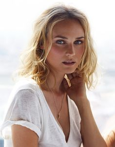 Hot pictures of a German actress and former fashion model Diane Kruger. Hot pictures of a German actress and former fashion model Diane Kruger. Beautiful Celebrities, Most Beautiful Women, Beautiful People, Rachel Bilson, Sarah Jessica Parker, Jessica Alba, Actrices Hollywood, Belle Photo, Celebrity Weddings