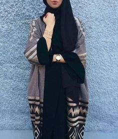 Find images and videos about hijab and abaya on We Heart It - the app to get lost in what you love. Muslim Women Fashion, Arab Fashion, Islamic Fashion, Modest Fashion, Mode Abaya, Mode Hijab, Mode Kimono, Hijab Fashionista, Abaya Designs