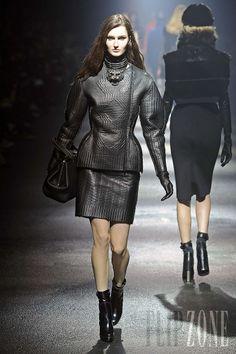 Lanvin - Ready-to-Wear - Fall-winter 2012-2013 - http://www.flip-zone.net/fashion/ready-to-wear/fashion-houses-42/lanvin-2743