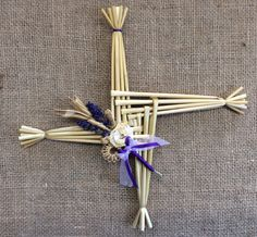 good luck charm by TheWheatWeaver on Etsy St Brigid Cross, Brigid's Cross, Corn Dolly, Diy Garden Projects, Organza Ribbon, Nature Crafts, Magick, Witches, Harvest