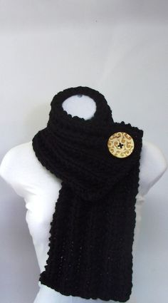 Button Scarf...someone is selling these for $25 on etsy...if I can figure out how to knit it, I'll be dangerous
