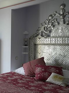 more casamidy..hacienda tin headboard..imagine in dark bronze or antique copper? so prettyyyy