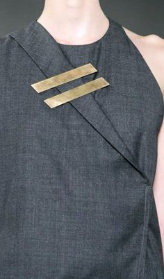 1205 | Spring 2015 / #MIZUstyle Brass lined brooch, minimalistic geometric