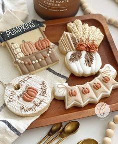 I Fall, Autumn, Cookie Tutorials, Pampas Grass, Cookie Decorating, Pumpkins, Cookies, Live, Instagram
