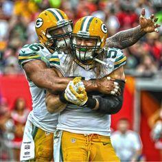 💕 That's babe! Packers Baby, Green Bay Packers, Clay Matthews, Man Crush Monday, Football Helmets, Sports, Babe, Shades, Trucks