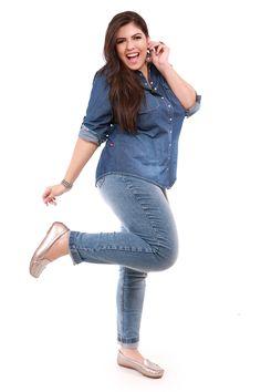 Calça e camisa jeans plus size